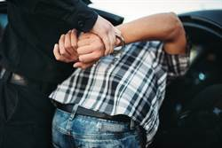 賊被逮求PK 正義男秒撂倒:我是拳王