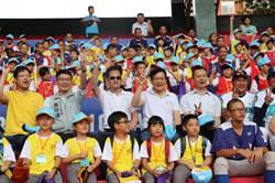 兒童棒球營與球星相見歡  揮汗體驗棒球樂