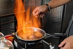 【翻轉中餐4】桌邊火焰秀圈粉 菜色連鎖不複製讓客人吃不膩