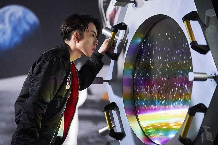 林宥嘉表示從月球的角度來看看地球的全貌,也地球只有一個,人類應該好好珍惜、共同愛護寶貴的地球資源。(圖取自Discovery官網)