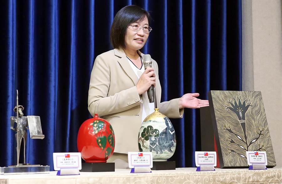 總統府舉行總統「自由民主永續之旅」贈禮說明 記者會。(趙雙傑攝)
