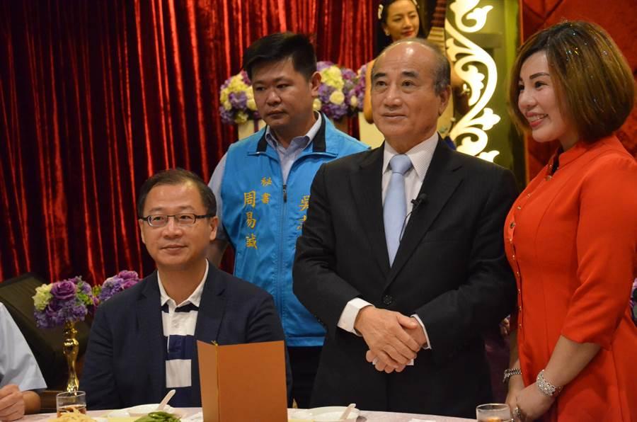 前立法院長王金平(右)9日出席洪門108將金平之友會。(賴佑維)
