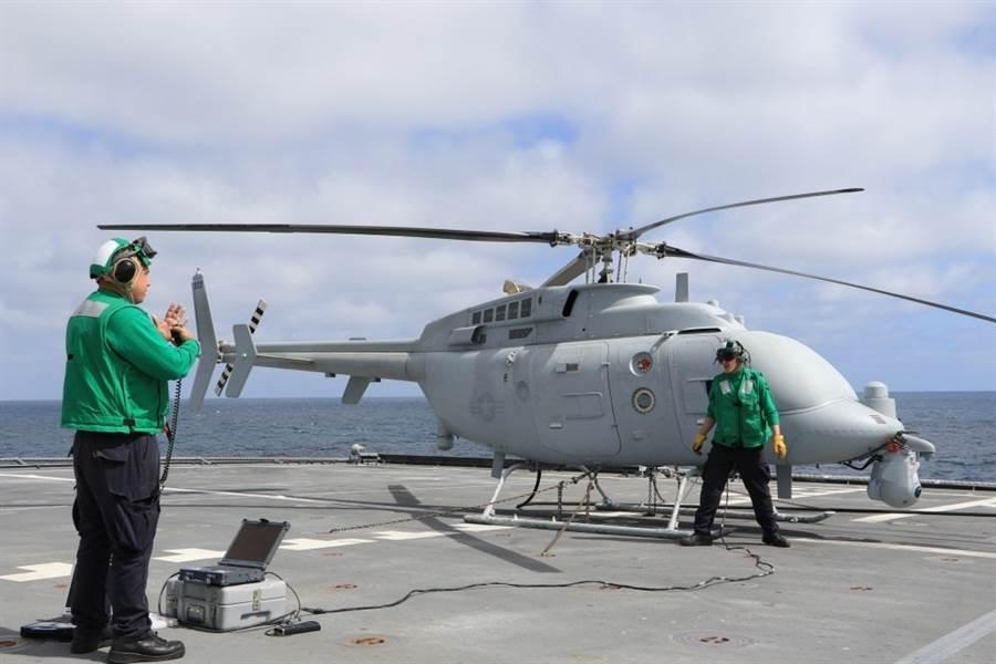 美國海軍MQ-8C無人直升機,是以貝爾407為機身再無人化。(圖/美國海軍)