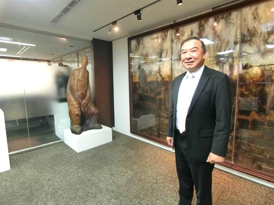 富旺國際董事長林正雄看好房市景氣翻轉,今年台中市推案量上看2500億,將創下27年來新高紀錄。(盧金足攝)