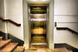 電梯前必有樓梯 網曝建商祕密