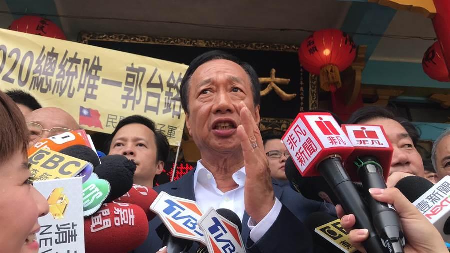 國民黨總統初選參選人郭台銘爆料,有不明政治人士干涉Lamigo交易,因為民進黨發現我是最難打的對手。(張穎齊攝)