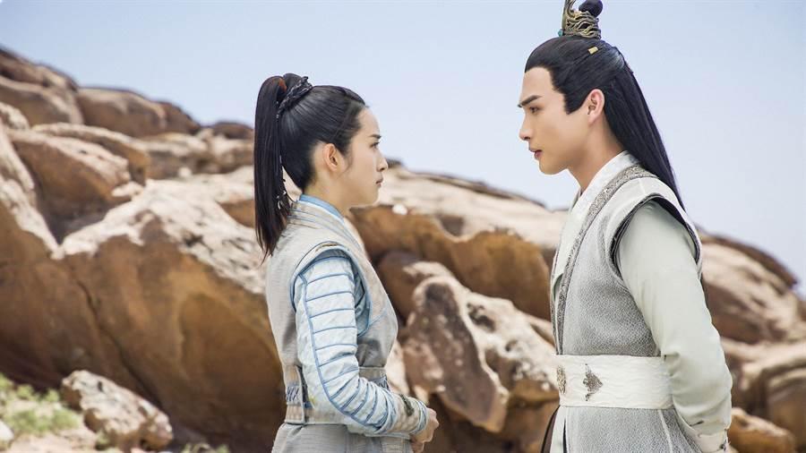 林依晨(左)與張彬彬(右)。(圖/中天提供)