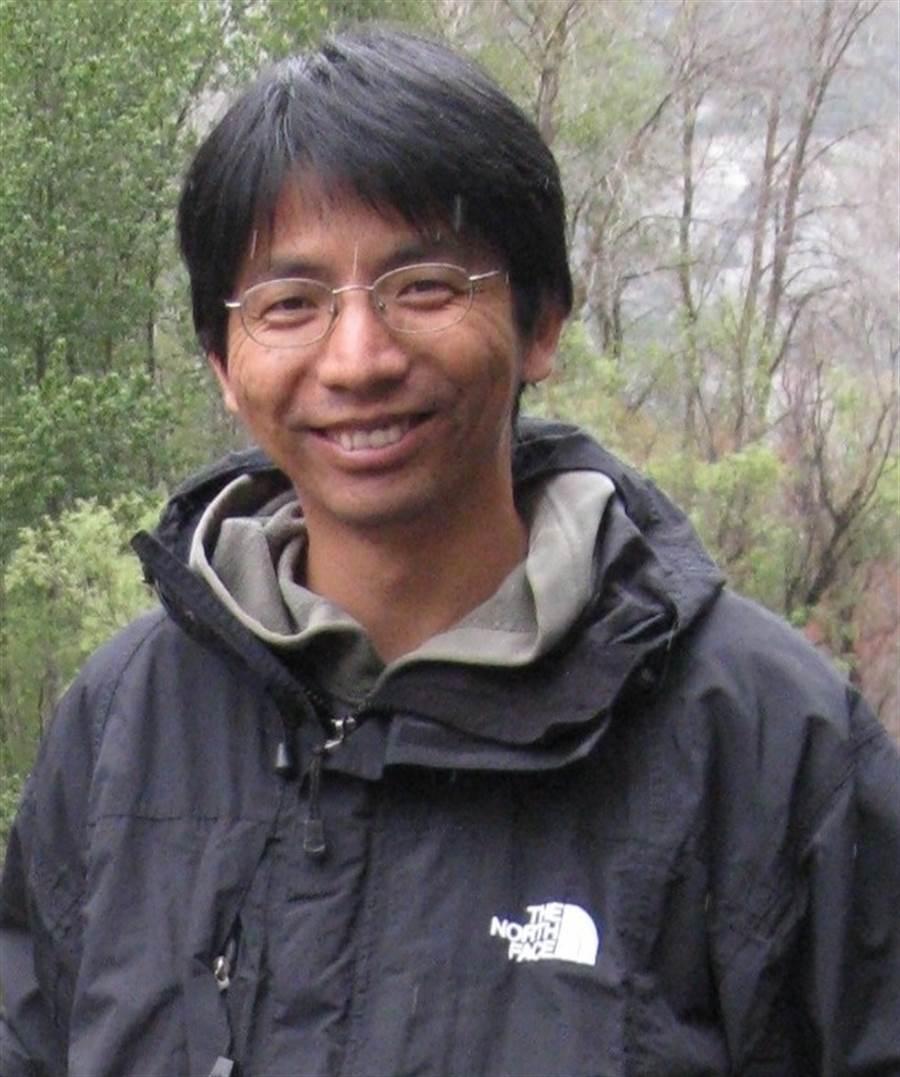 陽明大學生物藥學研究所教授兼所長蕭崇瑋。(圖/翻攝自陽明大學網站)