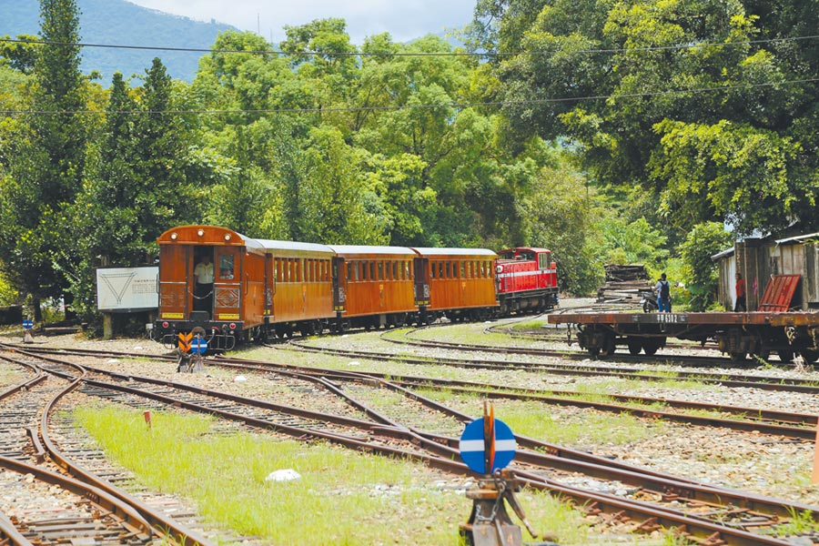 竹崎車站是早期阿里山林業鐵道平地線與山地線的轉換站。(張亦惠攝)