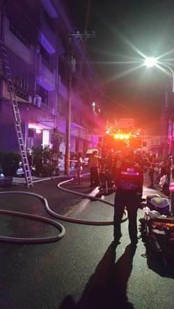 台中民宅地下室起火 女屋主受困3樓被救出