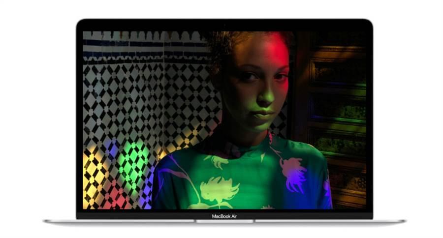 最新獲得更新的 MacBook Air。(圖/翻攝蘋果官網)