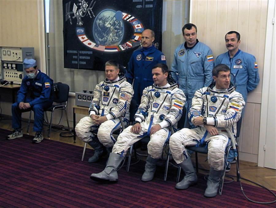 下排右一為克里卡廖夫(圖片取自/達志影像)