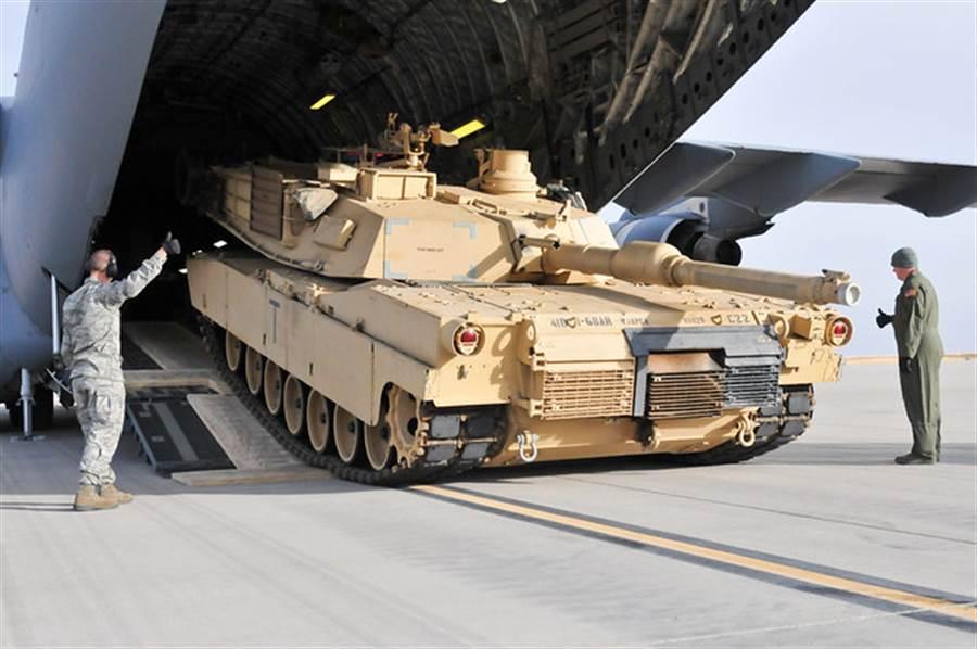 美國在與中共貿易談判期間宣布批准艾布蘭坦克軍售案,讓北京投鼠忌器。(圖/美國陸軍)