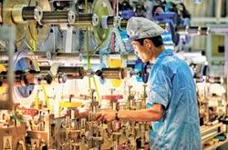 路透調查 陸GDP增速降至6.2%