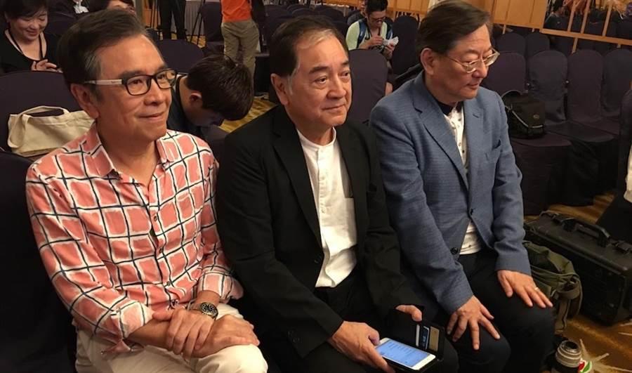 導演吳思遠(右起)、秦沛、姜大衛現身高雄。
