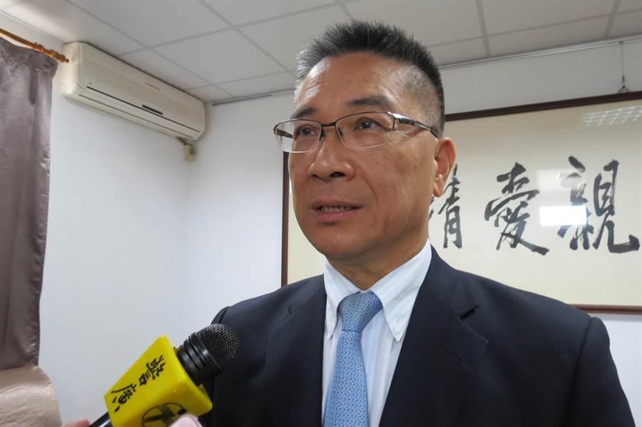 內政部長徐國勇到台中成功嶺,針對警械使用提出說明。(林欣儀攝)