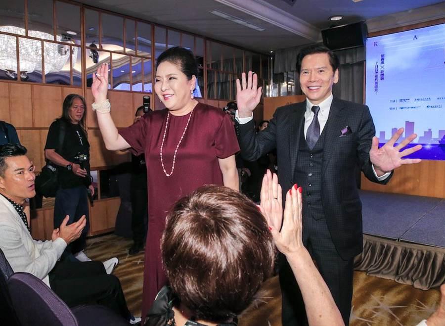 向華強及太太陳嵐,向華強說,台灣是他的幸福之地,「韓國瑜當了什麼的話,我就來台投資拍片。」