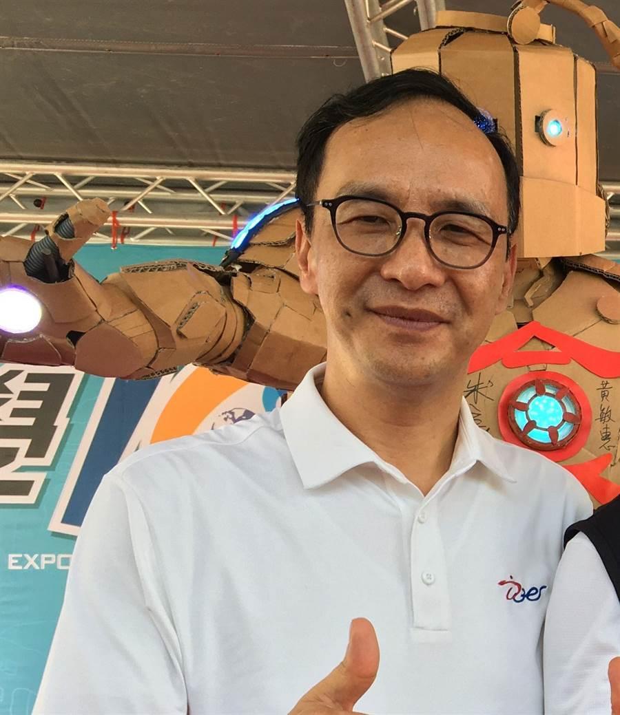 國民黨總統初選參選人朱立倫12日參訪嘉義市。(廖素慧攝)