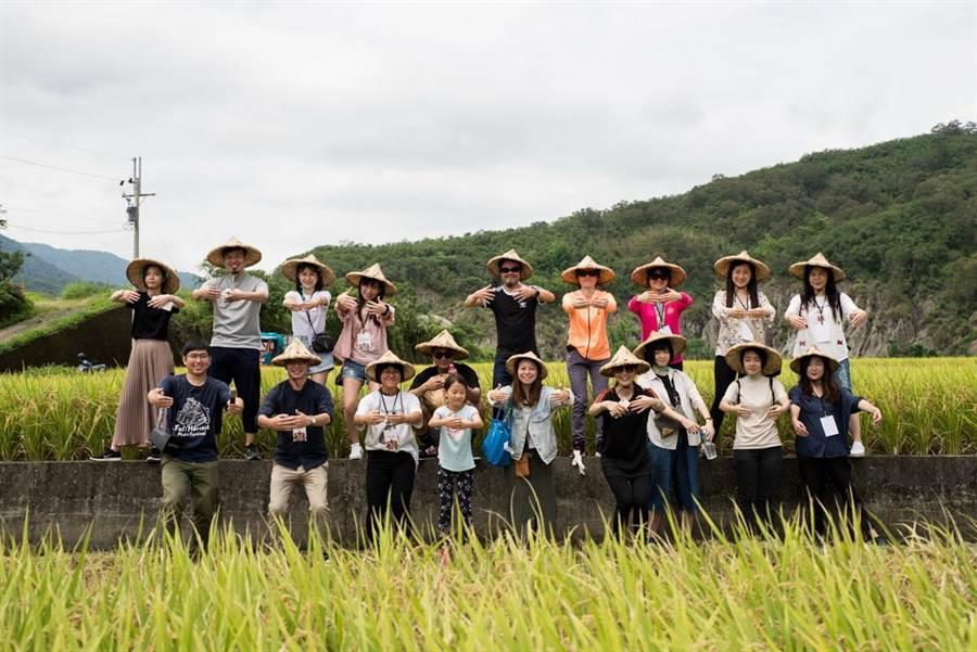 共同匯聚社會力量,一起串起台灣善意念,「大米缸計畫」支持環境永續、有機耕作,穩地適量地支持受助單位。(圖/裏物文化提供)