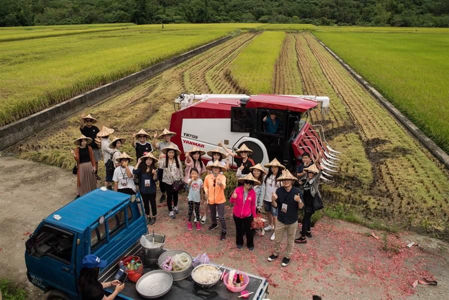 「大米缸計畫」稻米生產者為花東青農,捐助的企業或個人家庭可獲儲蓄米使用,企業也能將愛心米包裝成企業專屬的訂製米禮盒,分享愛心米。(圖/裏物文化提供)