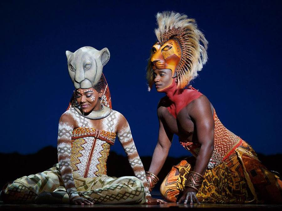 《獅子王》主角辛巴和娜娜有精彩對手戲。(寬宏提供)