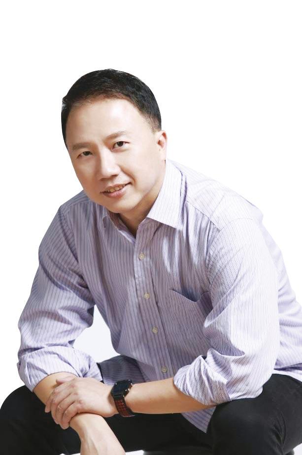 楊俊元從東森購物的法務長轉任營運長一年,因表現超優異,升任香港草莓網跨境電商執行長、東森購物電子商務事業部及全球商貿中心執行長。圖/張佩芬