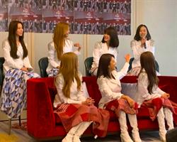 CLC錠欣家中也防曬 戀愛戲初體驗「超緊張」
