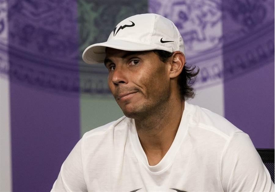 納達爾在溫網準決賽敗給費德勒。(美聯社)