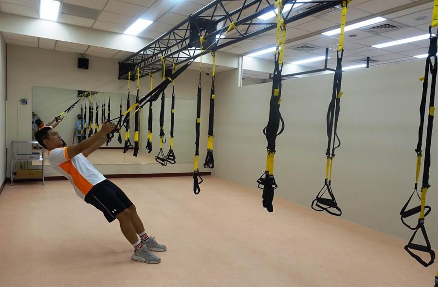可训练到全身肌肉的TRX悬吊系统。