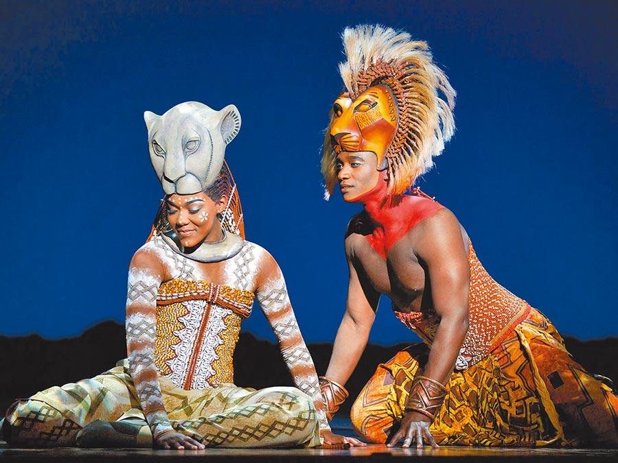 《獅子王》主角辛巴和娜娜有精采對手戲。