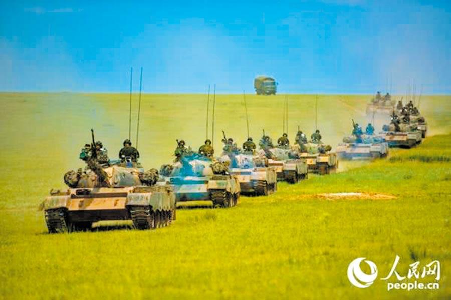 2016年「朱日和B」演習中的紅軍79式坦克。(取自人民網)