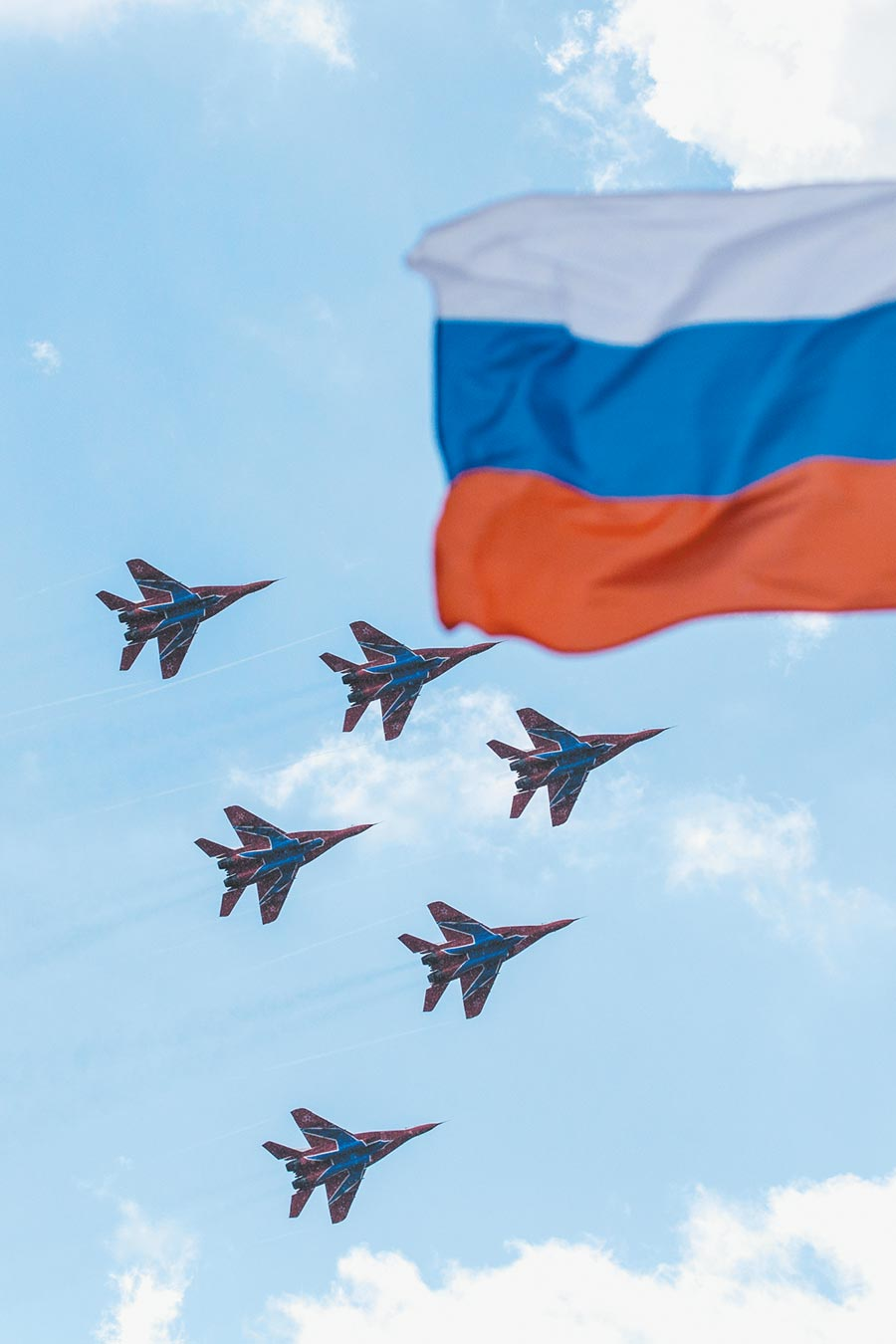 俄羅斯特技飛行表演隊駕駛米格-29戰機。(新華社資料照片)