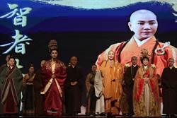 唐美雲馬六甲演出造成交通癱瘓!12場海外公演吸2萬人