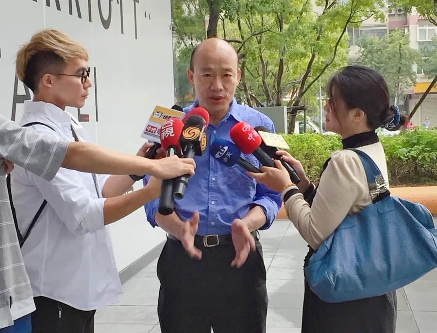 江嘉葉指國民黨總統初選五位候選人中,只有韓才有總統命格。(照片/馬樹立 拍攝)