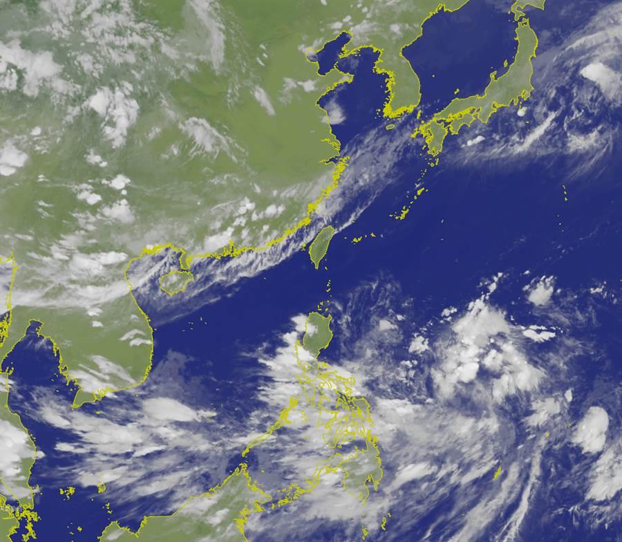 週一熱爆飆36度 「丹娜絲」颱風恐形成。(圖/氣象局)