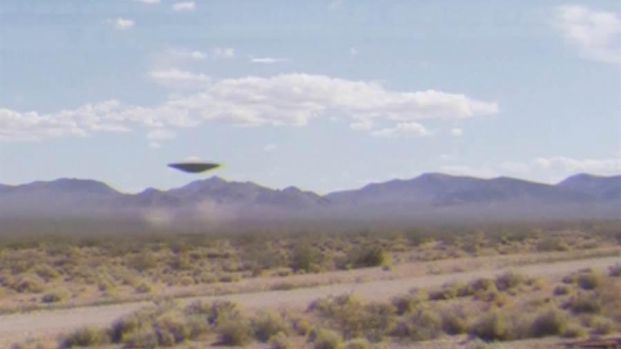 內華達州51區,一直被陰謀論者與科幻迷相信,藏有外星文明機密的地區。(圖/youtube)