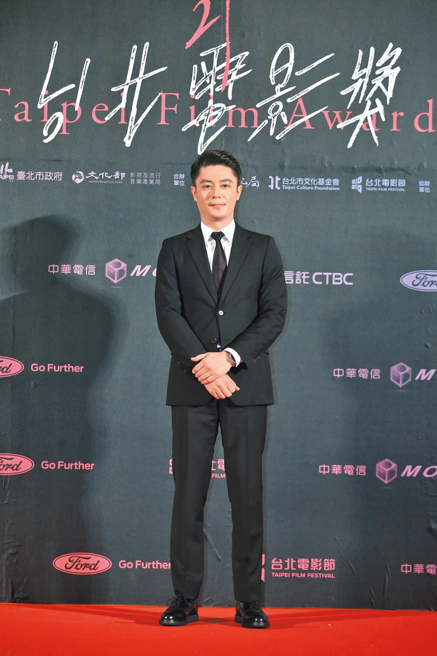 霍建華是今年台北電影獎頒獎神祕嘉賓,昨與李屏賓一起頒發劇情長片。