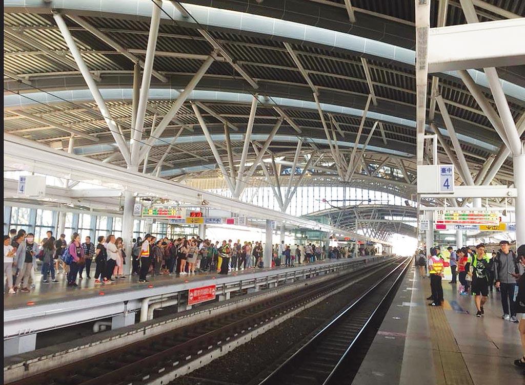 人潮即是商機的基礎,台中車站新商場開始招商。圖/黃馨穎
