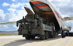 俄S400防空系統關鍵雷達與指揮車運抵土耳其