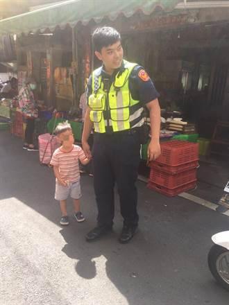小男童市場走失 暖警幫忙找媽媽