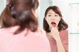 為了美白牙齒 女大生亂用潔牙粉…下場慘