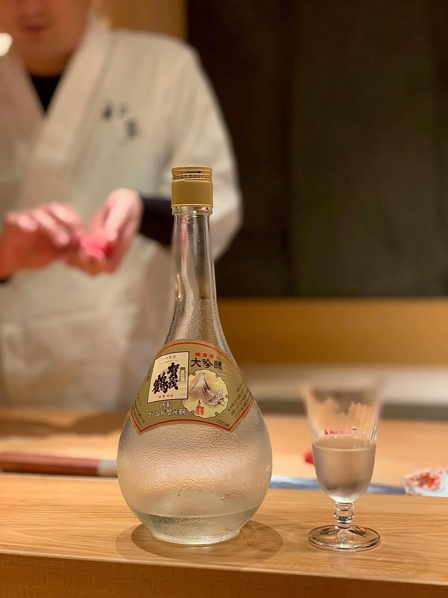 〈初魚料亭.晶華〉可以用80種以上不同的清酒佐餐,包括日本首相安倍晉三宴請美國前總統歐巴馬時所用的國宴用酒都可喝到。(圖/姚舜)