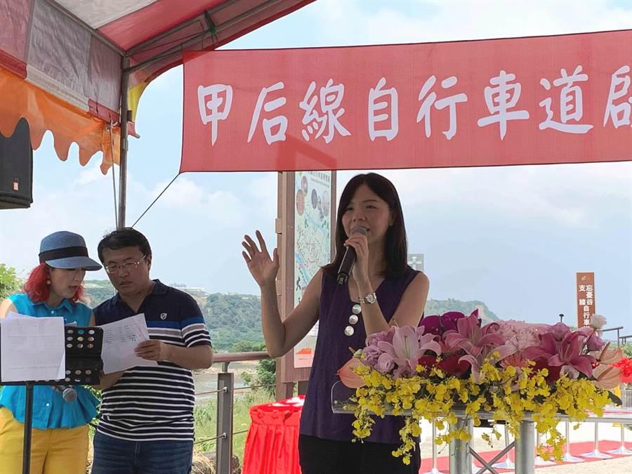 洪慈庸表示時力是當初成立的「家」,不可能放著不管而參與其他政黨派系。(陳淑娥攝)