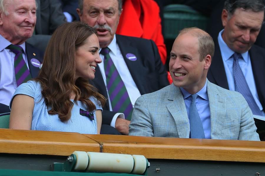 凱特與威廉觀看溫布頓男子單打決賽。(圖/達志影像)