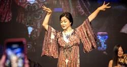 陸名主持人金星高雄即興秀 甄珍兒台上高喊是偶像