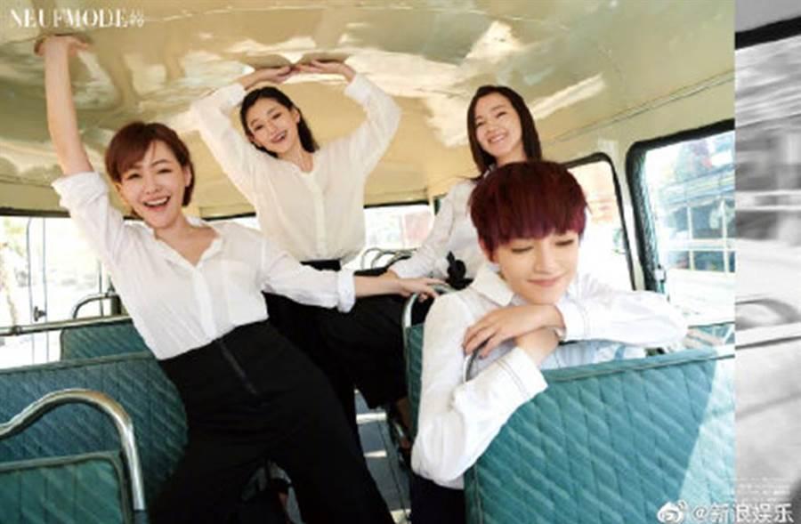 大S、小S、阿雅及范曉萱參加大陸實境節目《我們是真正的朋友》。 (圖/我們是真正的朋友微博)