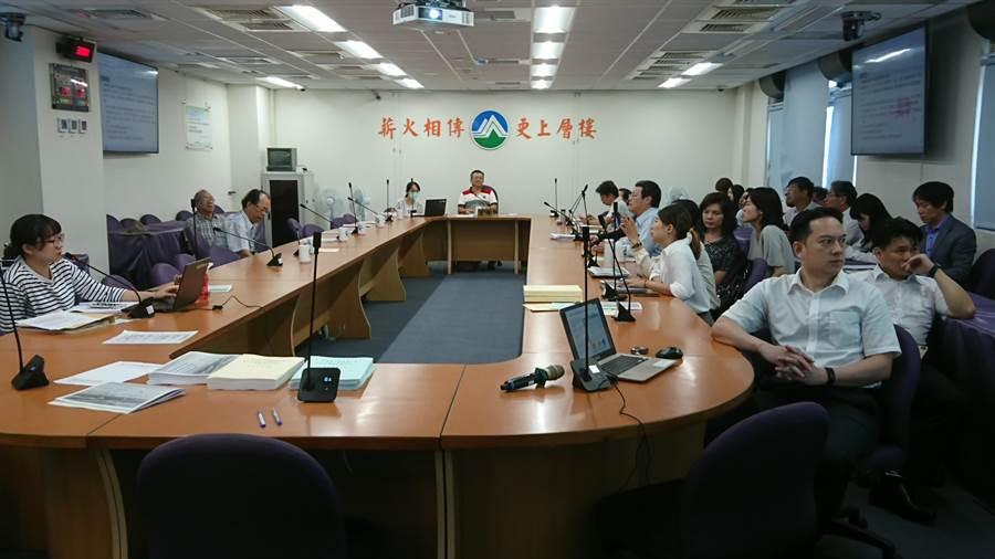 環保署今舉行專案小組初審會議,通過彰芳、西島離岸風電環差案。(廖德修攝)