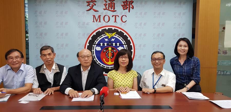台灣港務公司今(16)日宣布將於蘇澳港招商,建立一座生質能源發電廠,明年第四季營運。(郭建志攝)