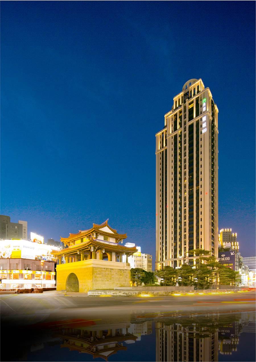 ▲「東門100」擎天28層樓高是區域地標。