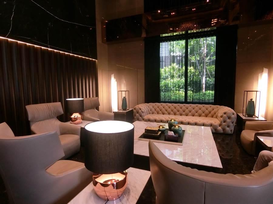 太子「咸亨」戶戶著重窗景視野,還可以引景入室,充滿生命力的光影,為生活增添光彩。(盧金足攝)